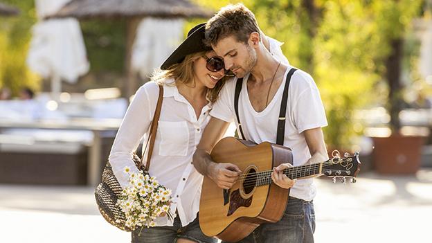Date Beziehung Paar Musik