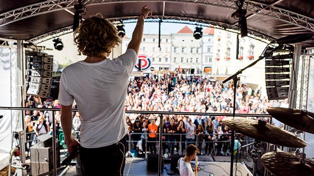 Thorsteinn Einarsson live