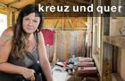 """Leben auf kleinstem Raum. Hausherrin Silke Bernhardt in ihrem noch im Bau befindlichen """"tiny house"""" in Niederösterreich"""