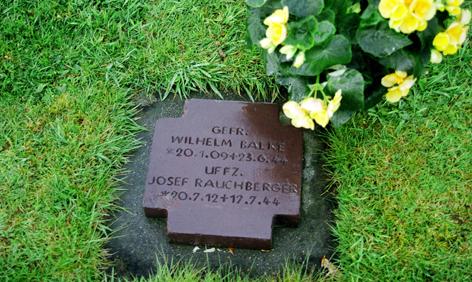 """Friedhof """"La Cambe"""" , Grab des gefallenen österreichischen Soldaten Josef Rauchberger."""