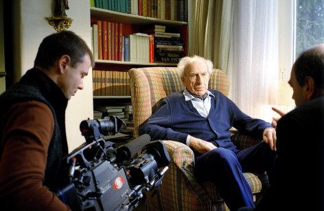 Im Bild: Interview mit Bassbariton Hans Hotter.