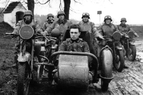 Franz Jägerstätter auf einem Motorroller