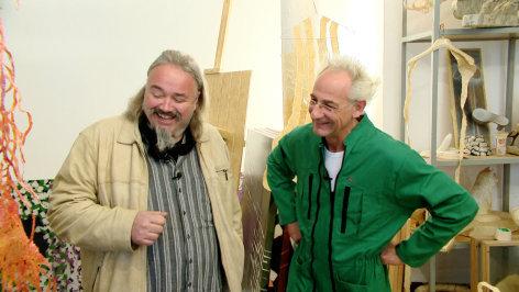 """Im Bild: Die Künstler Jürgen Ramacher mit """"Monte"""" Franz Wienerberger."""