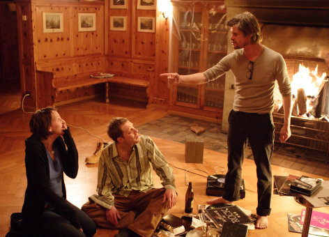 Im Bild: Viviane Bartsch (Leonie), Arno Frisch (Marc), Lars Rudolph (Vincent).