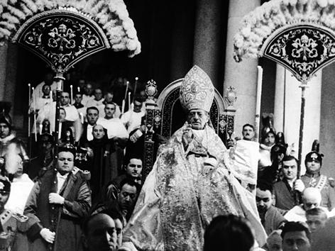 Papst Pius XI., Segnung auf dem Petersplatz