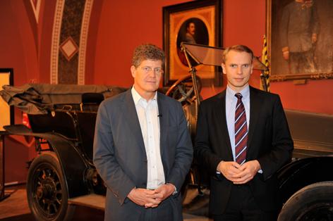 Karl Hohenlohe und der Direktor des Heeresgeschichtlichen Museums Hofrat Dr. Christian Ortner