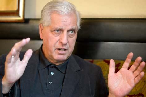 Caritaspräsident Franz Küberl im Gespräch