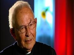 Bischof Reinhold Stecher mit ernstem Blick