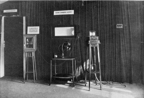Im Bild: 1924 wir der erste österreichische Radiosender in Betrieb genommen.