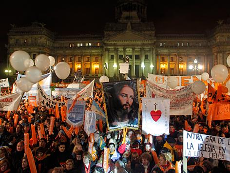 Demonstration in Buenos Aires gegen die Homo-Ehe im Juli 2010