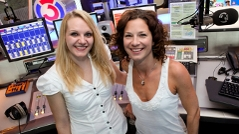 Hitradio Ö3 Verkehrsredaktion, Lisa Hotwagner und Sandra König, Body