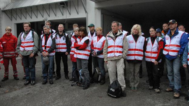 Team Österreich-Helfer und Mitarbeites des Roten Kreuzes