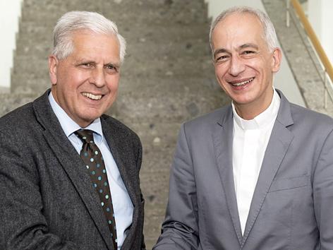 Der ehemalige Präsident der Caritas Österreich, Franz Küberl (li.), mit seinem Nachfolger, Michael Landau