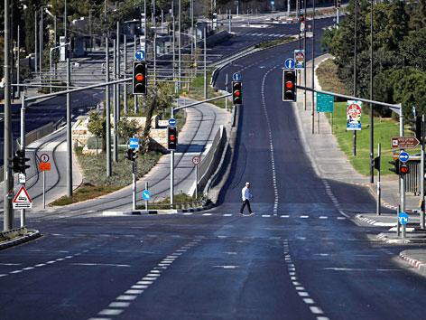 Leere Straße in Jerusalem zu Jom Kippur