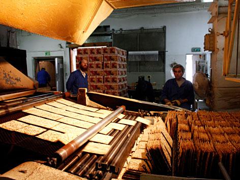 In einer Matzes-Fabrik