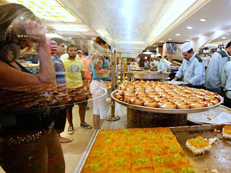 Spezielle Ramadan-Süßigkeiten in einer Beiruter Konditorei
