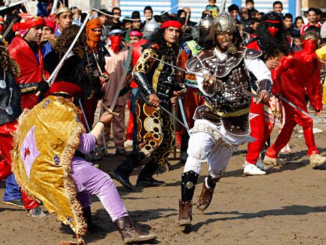 Passionsspiele zum schiitschen Fest Aschura