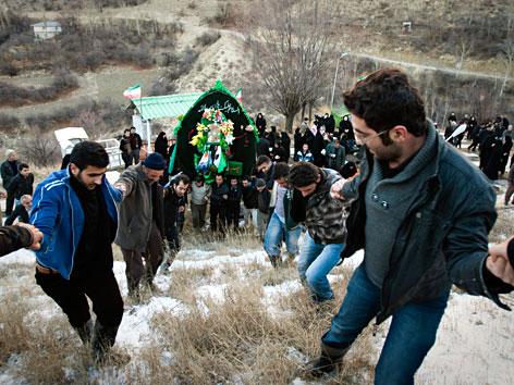 Prozession zum schiitischen Fest Aschura