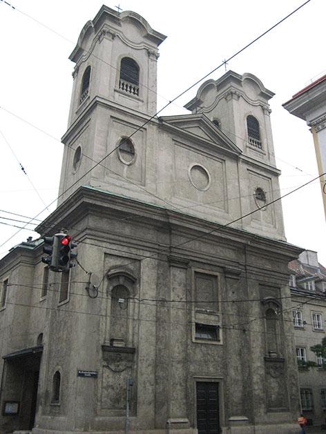 Außenansicht der Neulerchenfelder Kirche