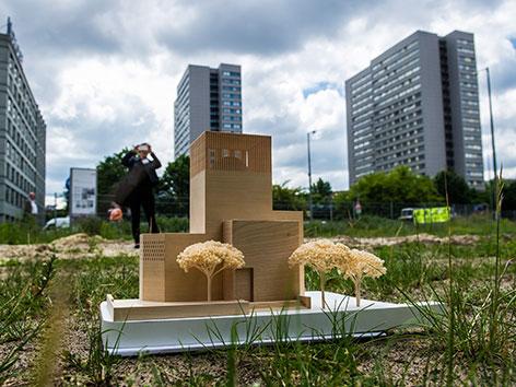 Ein Modell des geplanten gemeinsamen Gebetshauses in Berlin, House of one