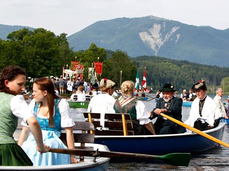 Seeprozession zu Fronleichnam auf dem Staffelsee in Bayern