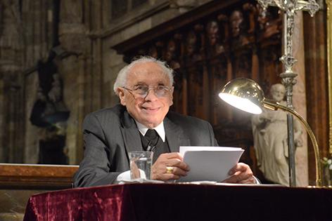 Emer. Weihbischof Helmut Krätzl bei einem Vortrag