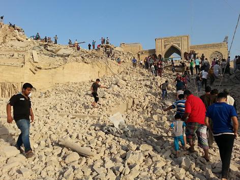 Zerstörte Grabstätte des Propheten Jona in Mossul, Irak