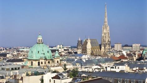 Wien, Stadtpanorama, Blick über die Innenstadt mit Stephansdom -