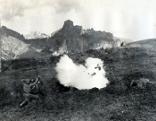 Im Bild: Kampfhandlungen am Col die Lana (genannt: Blutberg) an der Dolomitenfront.
