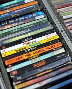 CDs in einer Box