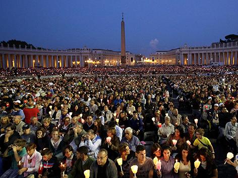 Abendgebet am Petersplatz mit Papst Franziskus