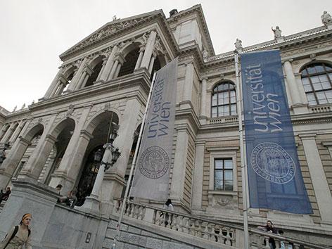 Front-Ansicht der Hauptuni Wien