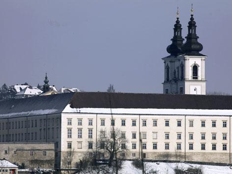 Außenansicht des Benediktinerstift Kremsmünster