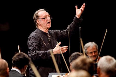 Nikolaus Harnoncourt dirigiert den Da Ponte-Zyklus: Così fan tutte