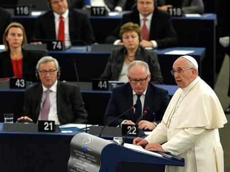 Papst hält Rede vor EU-Parlament in Straßburg
