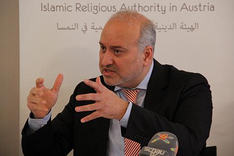 Pressekonferenz: Moudar Khouja. Erklärung der islamischen Vereine zum Islamgesetz am 16.12.2014
