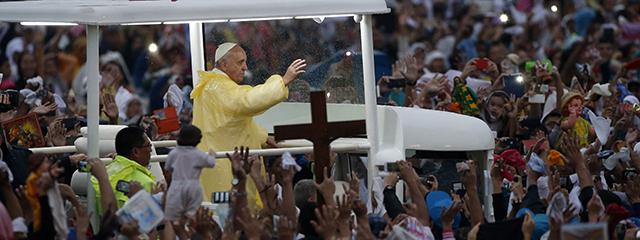 Papst Franziskus beim Abschlussgottesdienst in Manila