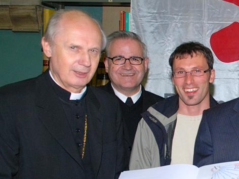 Bischof Egon Kapellari, Heinrich Schnuderl und ein Mitglied des Pfarrgemeinderates