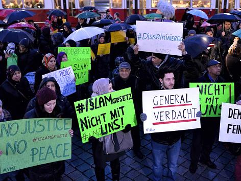Demonstration in Wien gegen das neue Islamgesetz, 24. Februar 2015