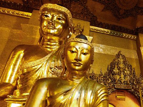 Goldene Buddha-Statuen in Burma