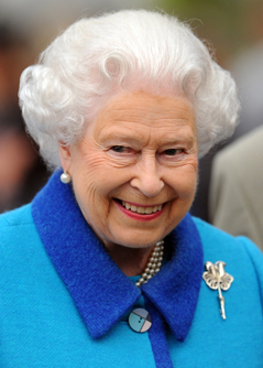 Queen Elizabeth II, lacht