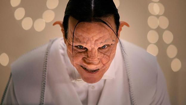 """Till Lindemann in einer Szene aus dem Musikvideo """"Praise Abort"""""""