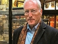 Diarmaid MacCulloch im Pitt-Rivers-Museum, Oxford.