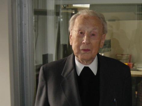 Kardinal König zu Besuch im ORF-Funkhaus im Oktober 2002