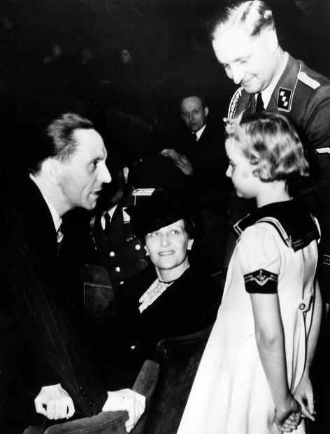 Hitlers Frauen  Magda Goebbels - Die Gefolgsfrau (2)