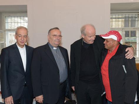 Kardinäle Schönborn und Montenegro gemeinsam mit Landau bei Flüchtlingen