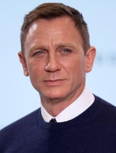 Daniel Craig lächelt
