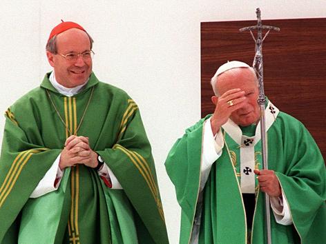 Kardinal Christoph Schönborn und Johannes Paul II. 1998