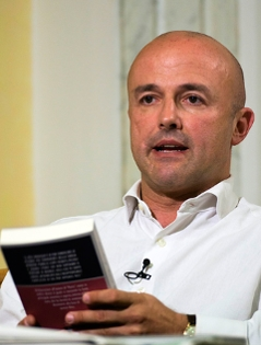 """Der italienische Journalist Gianluigi Nuzzi, der die """"Vatileaks""""-Affäre ins Rollen brachte."""
