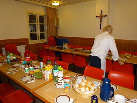 Clubraum der Pfarre Sankt Elisabeth als Frühstücksraum